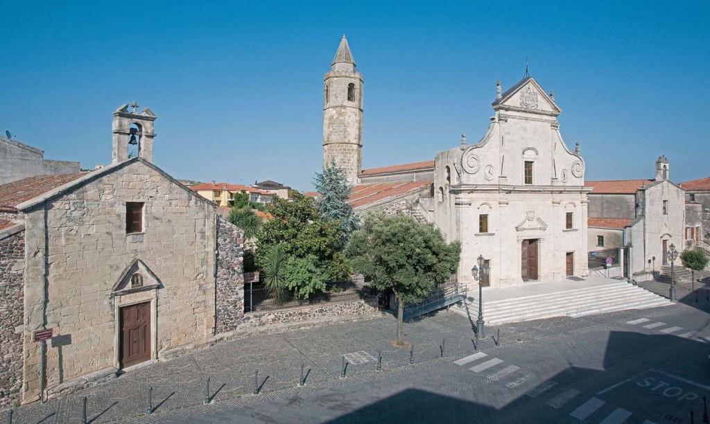 Ploaghe_Piazza-San-Pietro