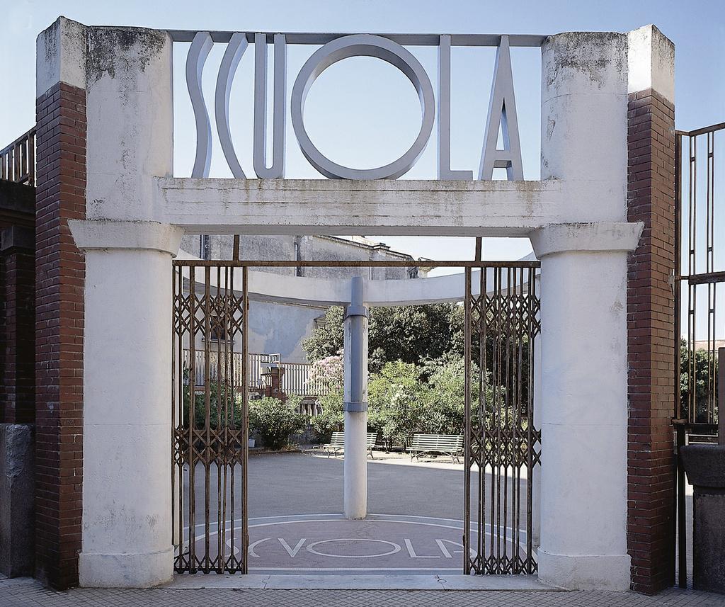 Scuola elementare di san giuseppe monumenti aperti for Arredi interni san giuseppe vesuviano