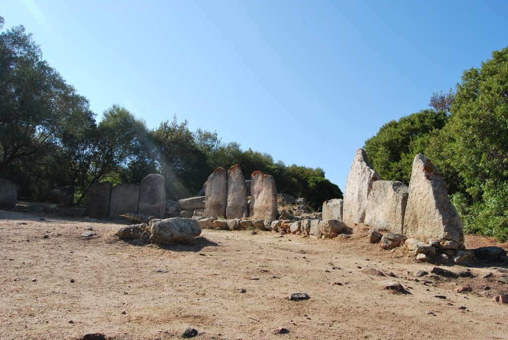 Tomba dei giganti di su monte e s ape monumenti aperti for Calendario camera dei deputati